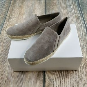 *NIB* VINCE Slip-On Sneakers